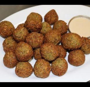 Falafel (Green hamburgers)