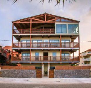Angulo House